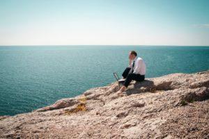 Pas toujours facile de réussir à déconnecter du travail en vacances